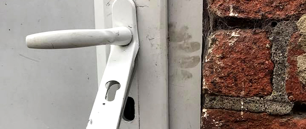 Door entry techniques used by thieves in Rotherham